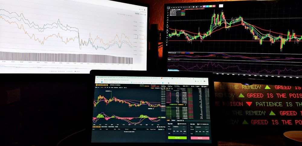 Pros And Cons of Different Crypto Trading Strategies